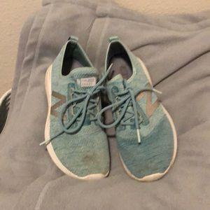 New Balance size 5.5 turquoise shoes